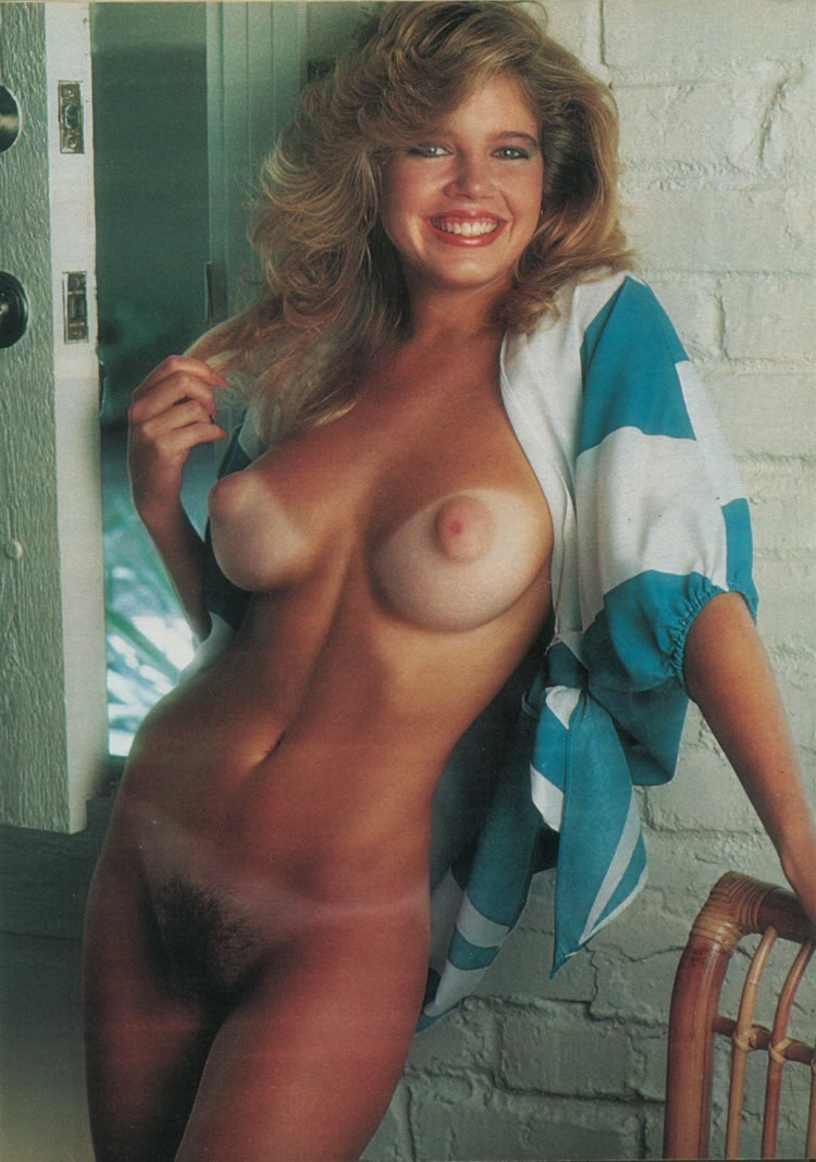beautiful naked women retro