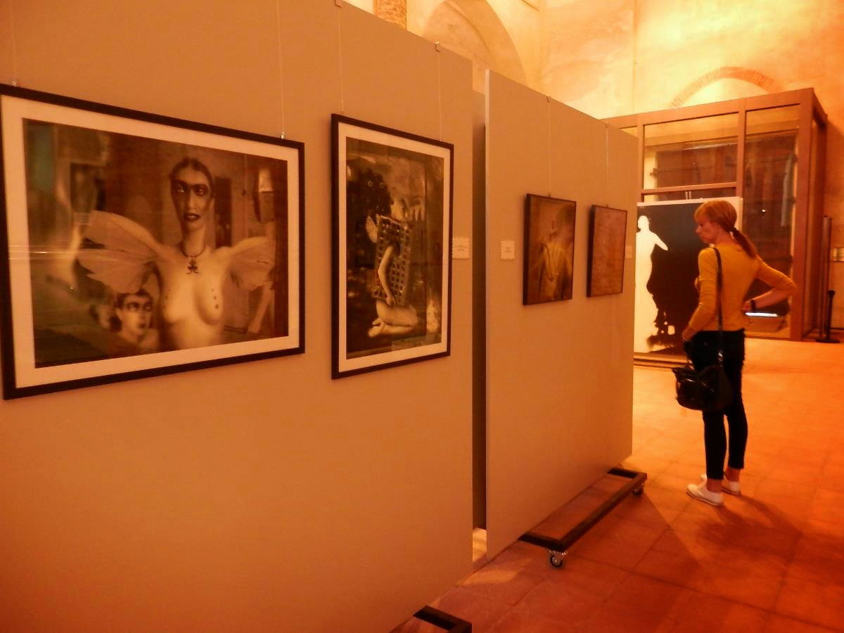 Le Camere Oscure Fotografie Figure E Ambienti Dellimmaginario Neogotico : à porter il magazine di monica bruna u cle camere oscure