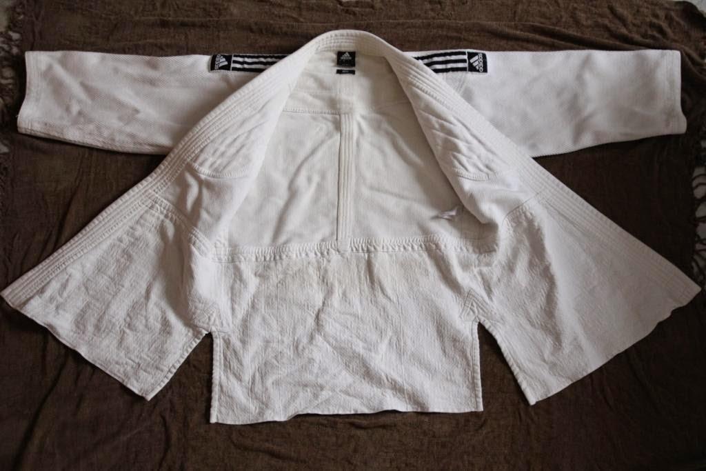 Kimono de Judo J800 Adidas - Cestquoitonkim