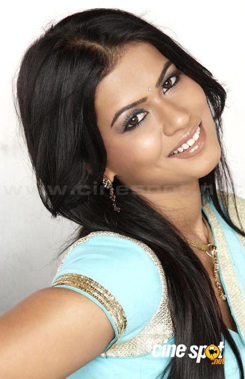independence day movie actress. Sharmila Mandre Telugu movie