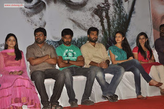 Piravi-Movie-Press-Meet-Stills