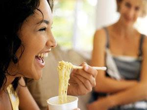 Hindari Mi Instan Saat Diet