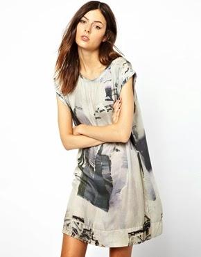 desenli beyaz kısa elbise