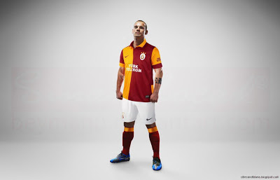 Wesley Sneijder With Galatasaray Shirt 2013 Hd Desktop Wallpaper