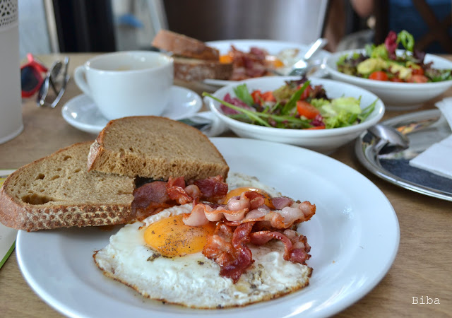kam na raňajky?