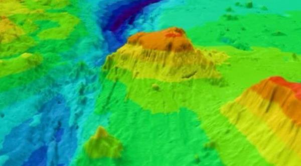 Bahaya, Gunung Api Bawah Laut Berpotensi Tsunami