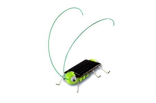 the geeky store  frightened grasshopper kit  solar powered