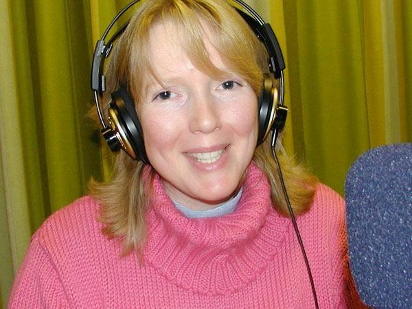 Svean Corin schreibt in der VHS-Schreibwerkstadt und liest ihre Werke in der Schreibwerkstadt-Sendung auf Antenne Witten