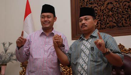 "Suka-Hamdi Bakal Cerai di Pilbup 2017, ""Sukandar : Mau Enggak Mau"", ""Hamdi : Saya Siap"""