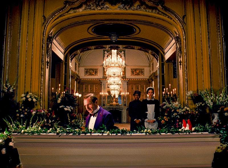 the grand budapest hotel-ralph fiennes-tony revolori-lea seydoux