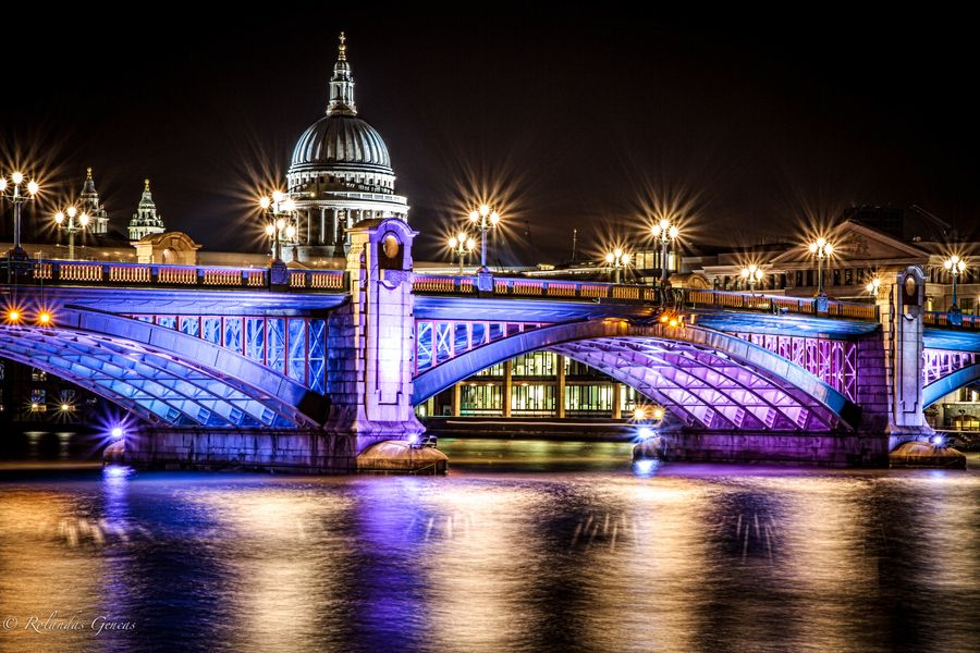 9. Southwark Bridge at night by Rolandas Genčas