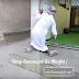 Kamal, pemuda yang semangat ke masjid, walaupun dalam keadaan cacat