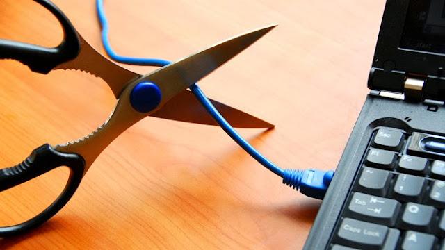 كيف تقطع إتصال الهاكر بحاسوبك رغم تواجد برنامج إختراقه في الحاسوب