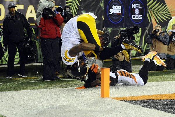 Com fim emocionante, Steelers bate Bengals e avança nos playoffs
