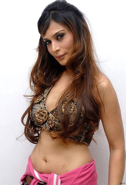 model anupama verma sizzling shoot photo gallery