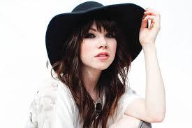 Carly Rae Jepsen - Call Me Maybe (lyrics dan video)