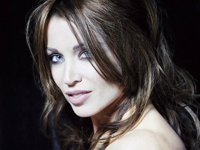 Dannii Minogue Biography and Photos