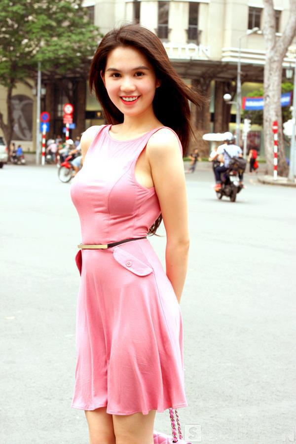 ảnh đẹp Ngọc trinh với đầm hồng vô cùng sexy 10