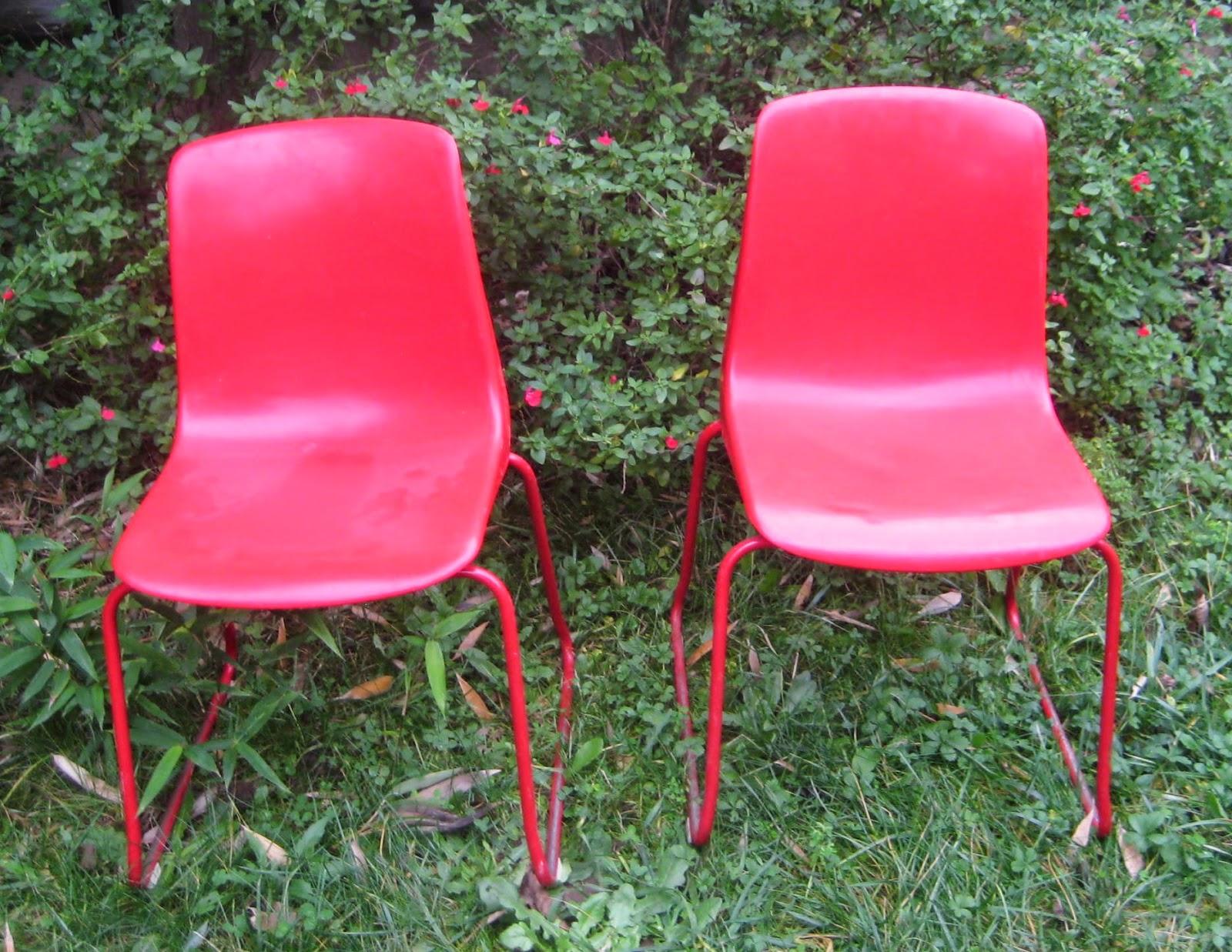 chaise vintage grosfillex rouge n 6001 les enfants de la brocante. Black Bedroom Furniture Sets. Home Design Ideas