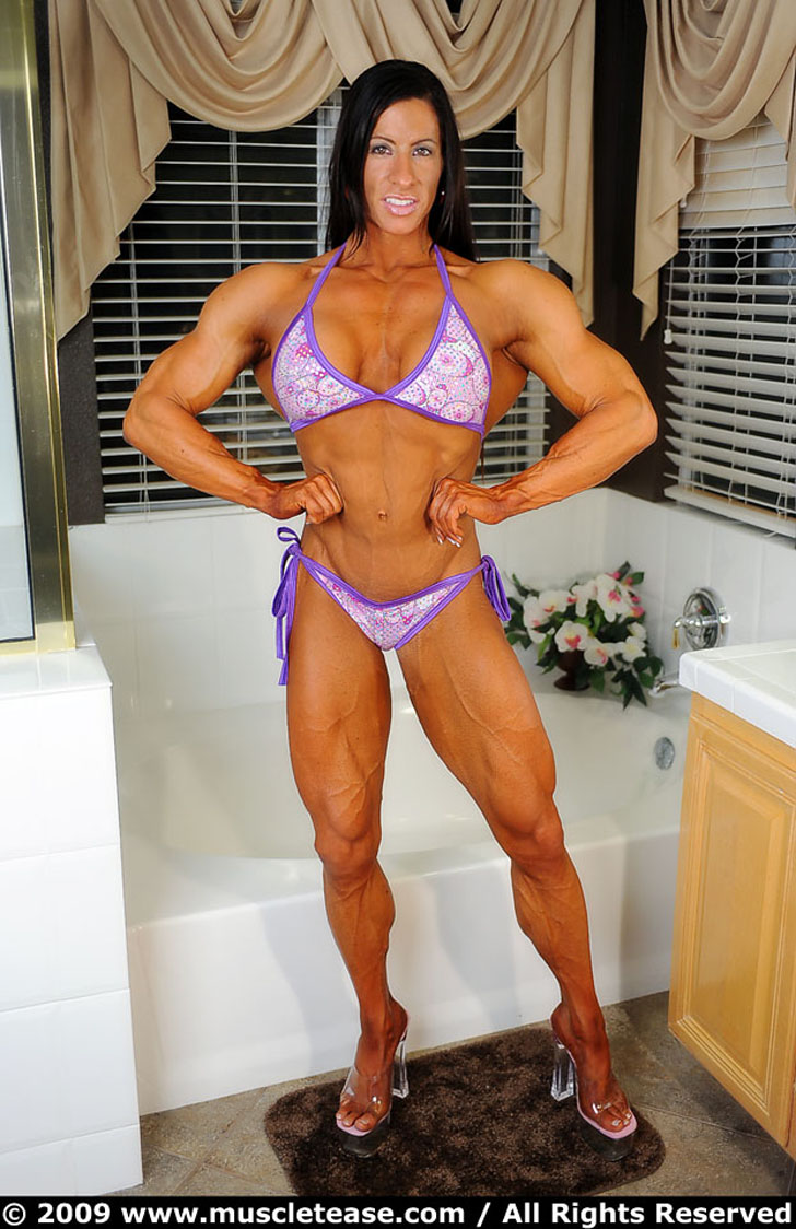 Angela Salvagno Posing Her Shredded Muscles