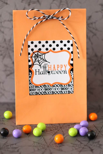 http://www.andersruff.com/custom-printable-parties/party-favors/free-printable-tag-design-for-halloween/