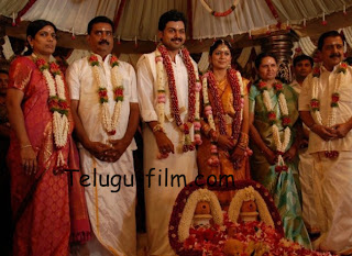 Actor Sivakumar Family Photos http://www.telugu-film.com/2012/04/actor-karthi-sivakumar-ranjani-marriage.html