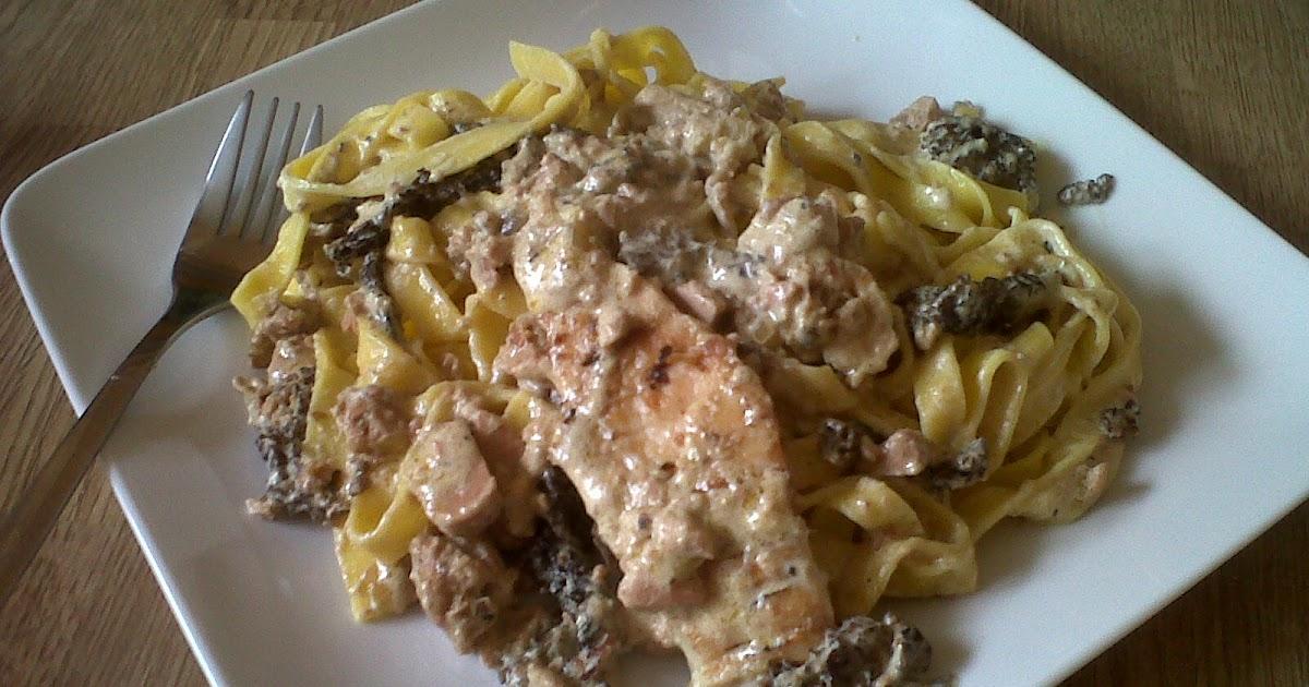 Tessons et macarons eminc de poulet aux morilles sauce au foie gras et tagliatelles - Cuisiner morilles sechees ...