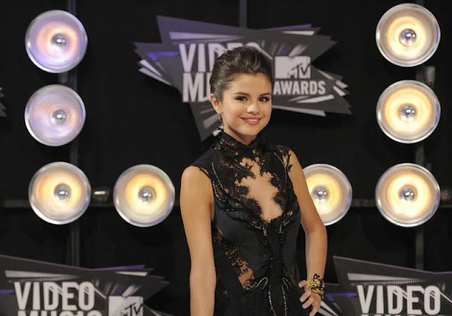 Selena Gomez – 2011 MTV Video Music Awards
