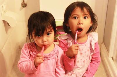 Cara Tips Menyikat Gigi Selama Bulan Puasa - sikat gigi setelah sahur