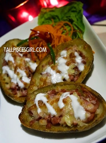Stuffed Potato Skins - Potato skins stuffed with turkey bacon & mozzarella (RM 12)