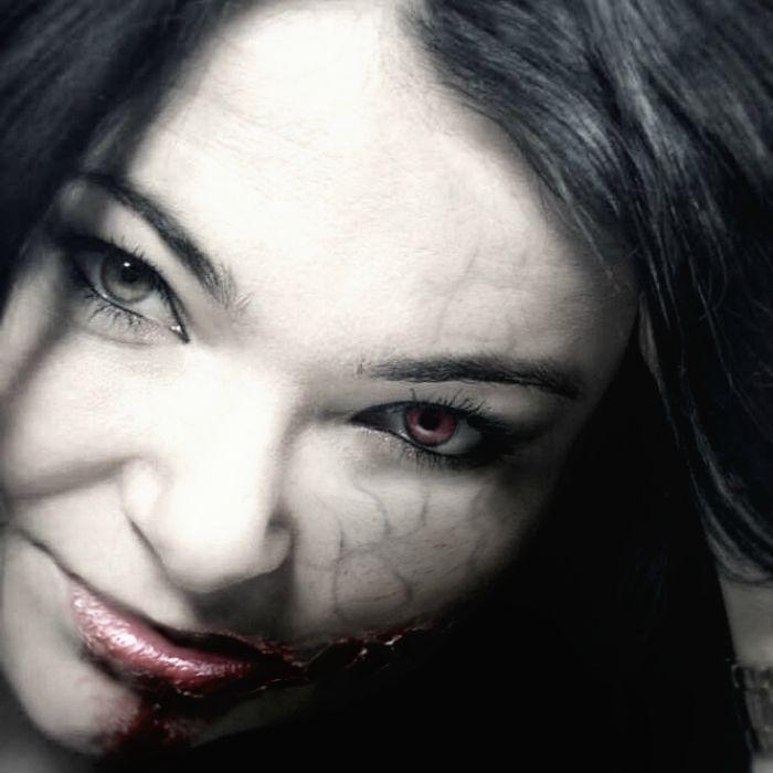 http://www.monikabregula.pl/2015/07/najlepsze-seriale-i-filmy-o-zombie.html