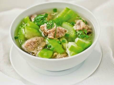 Green Squash with Pork Ribs Soup - Canh Bí Xanh Nấu Sườn