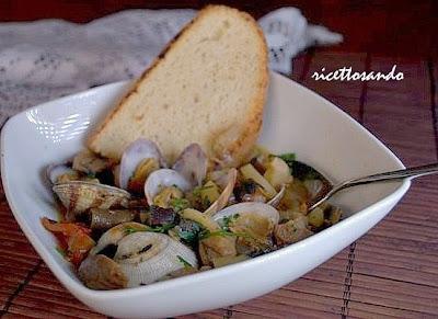 ricetta di Zuppa di vongole e funghi