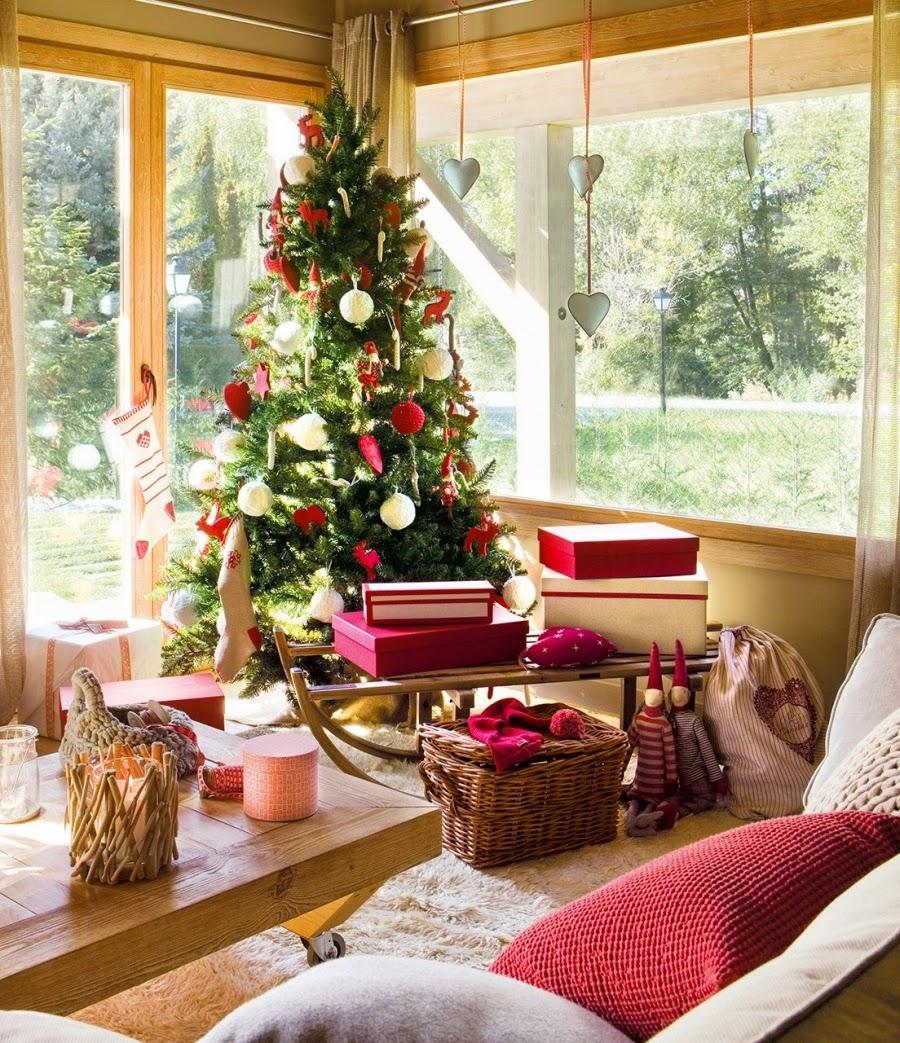 wnętrza, wystrój wnętrz, home decor, dekoracje świąteczne, christmas decor, Boże Narodzenie, Święta, choinka, dom, mieszkanie, domek w górach, salon