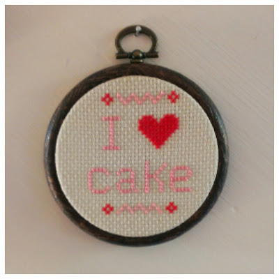 Miss Chaela Boo: Crafty Creatives Box 12 - I love cake cross-stitch