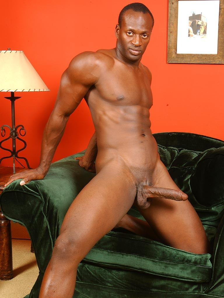 Hombre negro desnudo caliente