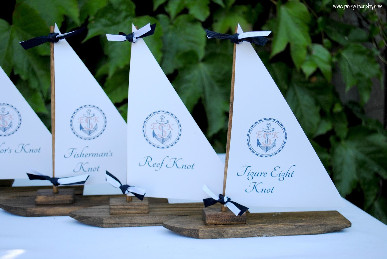 Jac o' lyn Murphy: Nautical Wedding Centerpieces...to Hitch or Knot?