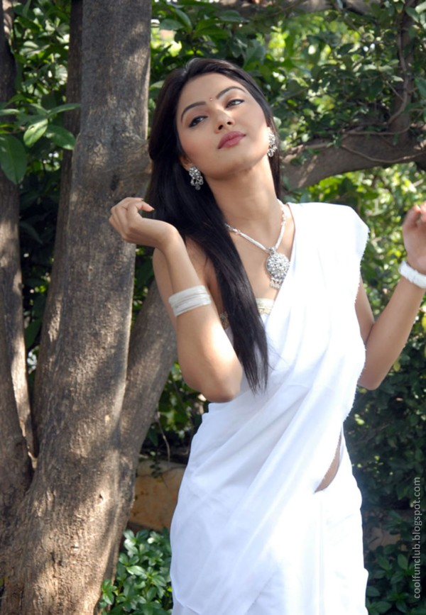 actress kumkum 12 Telugu cinema Actress Kumkum in White Saree