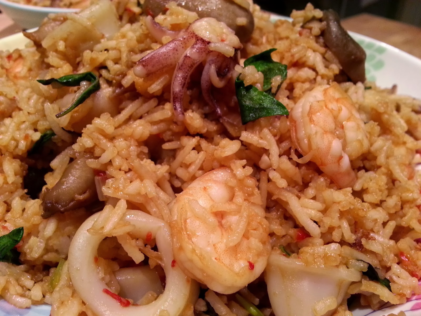 Slimming world delights thai basil and seafood fried rice thai basil and seafood fried rice i adore thai food and knowing i can make it virtually syn free on slimming world is fab ccuart Image collections