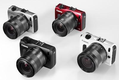 Fotografia della Canon EOS M nelle quattro diverse colorazioni