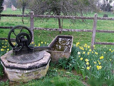 Estilo rustico jardines rusticos franceses for Jardines disenos rusticos