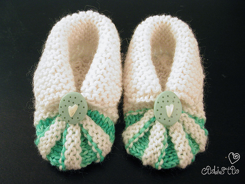 Miss Julias Patterns: Free Patterns - 30 Baby Booties to Knit - Crochet