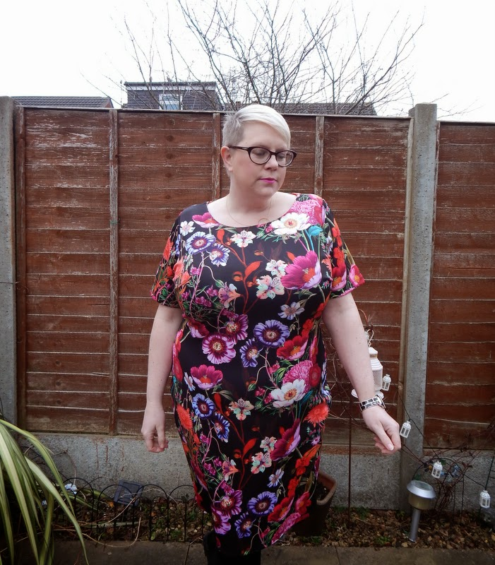 Simply Be, Scuba, Floral, BBW Size 22 Blonde, fat