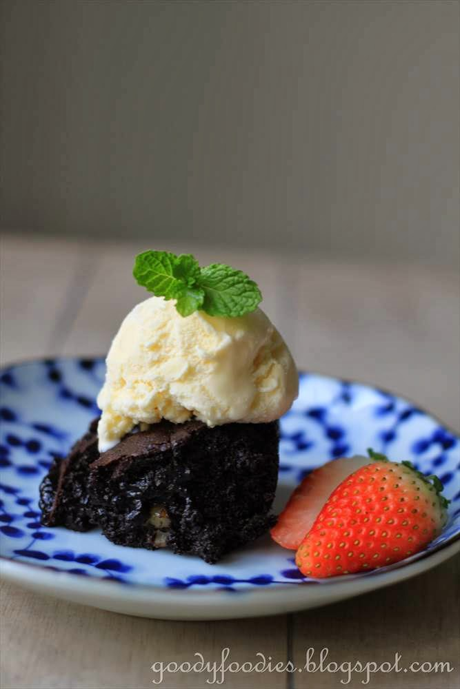 Microwave Brownies With Chocolate Syrup