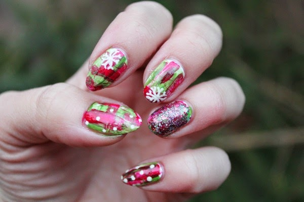 christmas nails - jersey girl