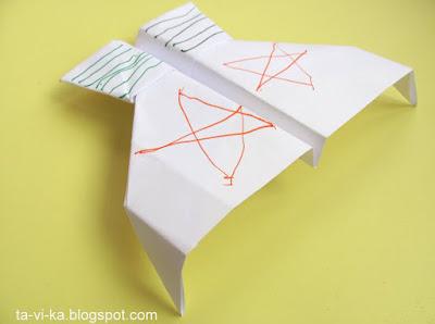 """Бумажный самолетик - модель """"Коршун"""""""