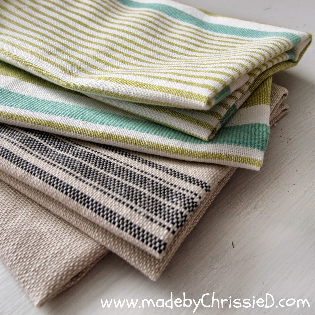 http://madebychrissied.blogspot.com/2015/02/Super-Easy-Fast-Dish-Towel-Tute.html