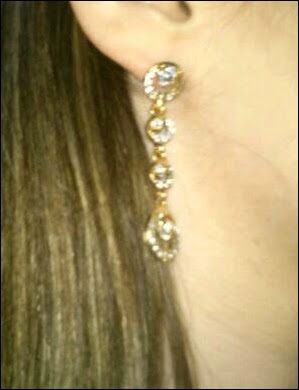 http://pt.aliexpress.com/item/for-women-Accessories-oriental-beauty-bridal-accessories-circle-full-rhinestone-stud-earring-E13/1741859461.html?src=ibdm_d03p0558e02r02