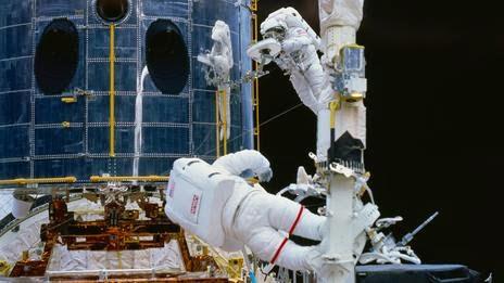 Hubble repairing works