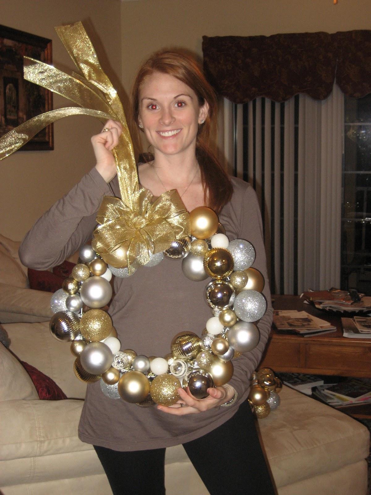 DIY Christmas Ornament Wreath – Comfy Cozy Couture